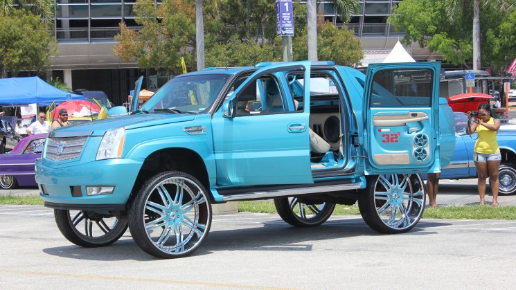 cadillac escalade ext miami auto fest best of show rides magazine asanti muv customs