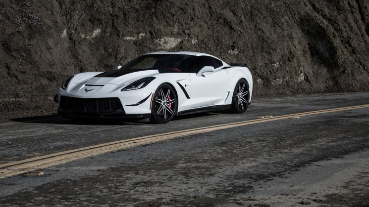 C7-Corvette-SV58C-White-Black-Carbon-Fiber-3