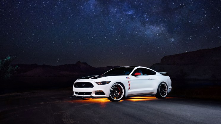 2015_Apollo-Edition-Mustang_2015_Apollo_Mustang_night