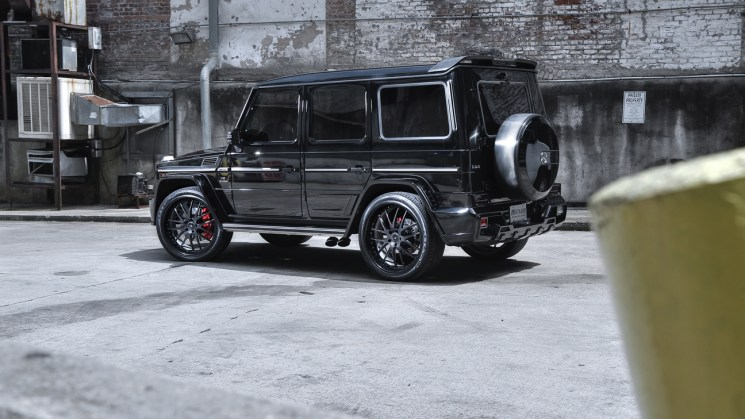 black-mercedes-benz-amg-g63-savini-forged-sv39-carbon-fiber-with-black-lip-4