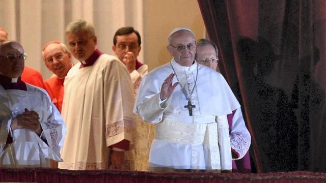 vatican.largentin-jorge-bergoglio-devient-le-pape-francois_1