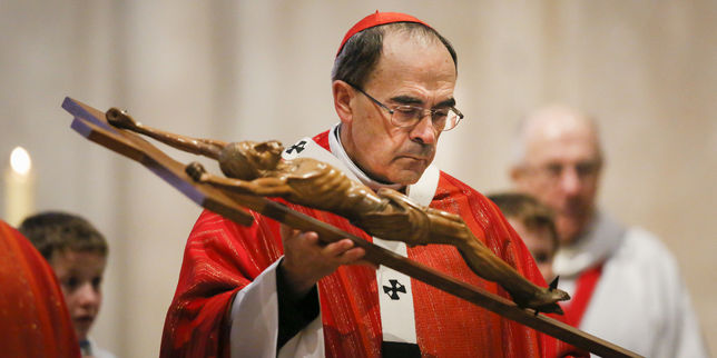 4893706_3_c23c_le-cardinal-philippe-barbarin-lors-d-une-messe_2c264f8dcb77458a46d05a7aa413a2f6