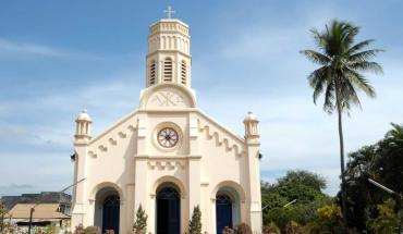 eglise-savannakhet-04