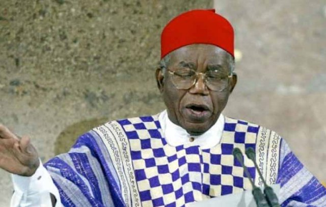 Nigerian author the late Chinua Achebe. Photo (www.pri.org)