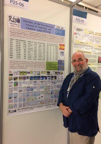 El Dr. Eduardo de la Peña presentando el cartel de RITSQ en el congreso Eurotox 2018