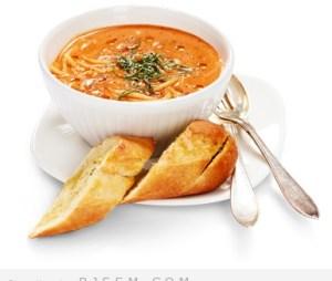 حساء الطماطم مع المعكرونه