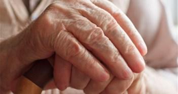 نقص فيتامين D يزيد من خطر الاصابة بالخرف ومرض الزهايمر