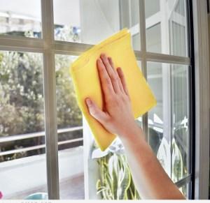 تنظيف النوافذ بشكل صحيح