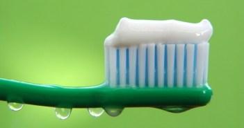 اصنع معجون الأسنان الخاص بك