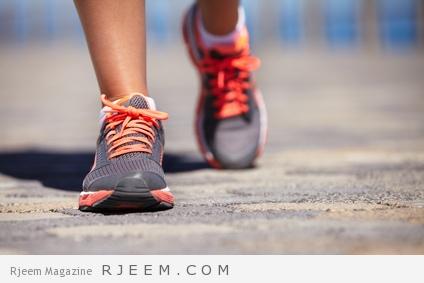 فوائد المشي لمدة ٣٠ دقيقة في اليوم