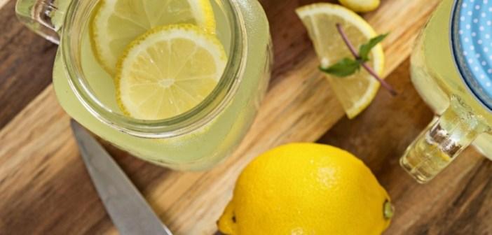 الليمون-والماء-الدافىء