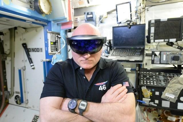 microsoft-hololens-scott-kelly-astronaut-iss-nasa