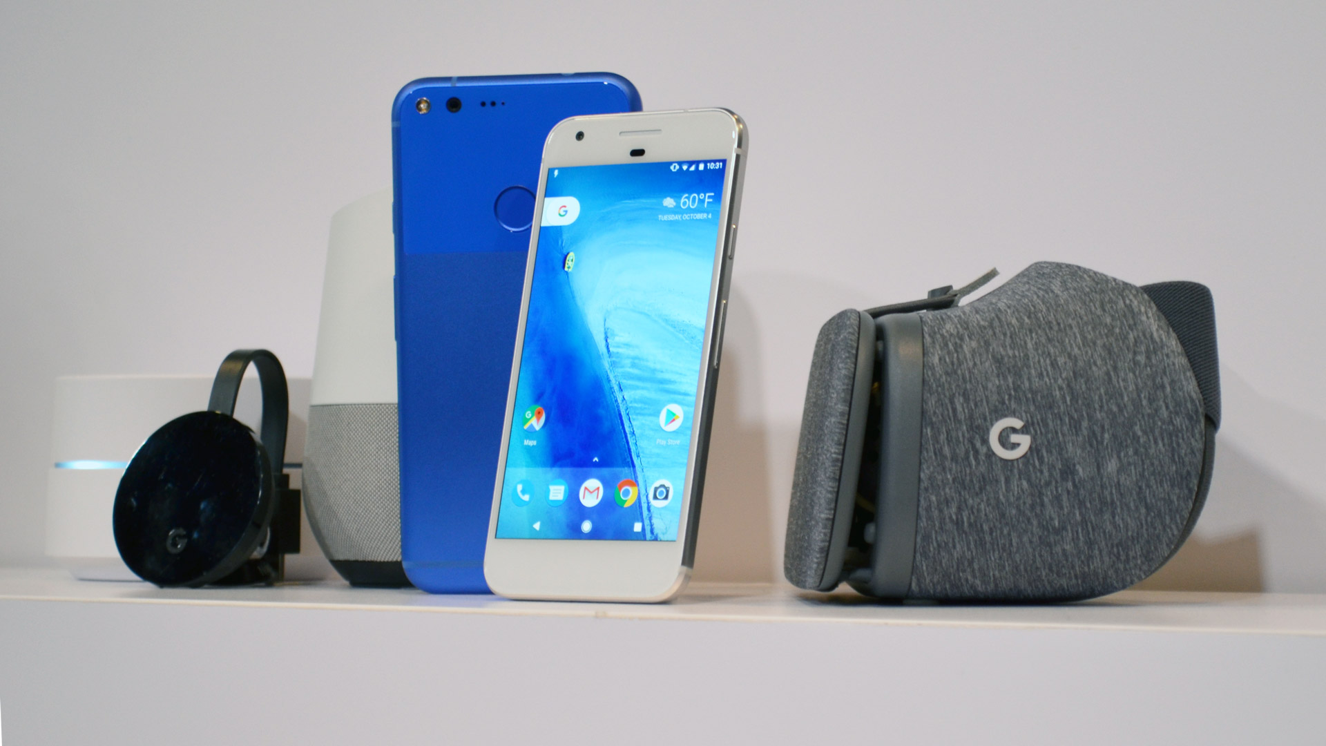 Google Pixel and Google Daydream View side by side