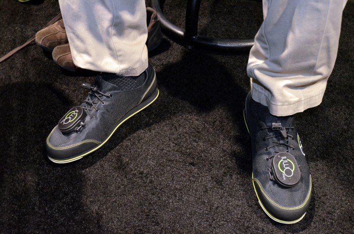 virtuix omni hands on production model ces 2015 (1)