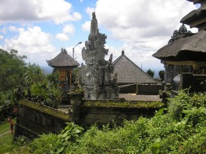 Puhur Bhujangga Waisnawa temple at the Mt Batukaru trailhead