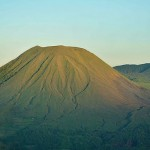 indonesia-sulawesi-lokon-empung-volcano