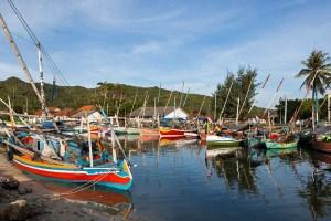 indonesia-java-karimunjawa-fishing-village