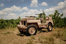 "1944 Willys Jeep SAS 220x146 OMIX ADA/RUGGED RIDGE TO FEATURE ACTOR R. LEE ERMEY AKA ""THE GUNNY"" AT 2013 SEMA SHOW IN LAS VEGAS"