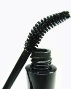 daily-glow-photogallery-mascara-problems-curved-brush