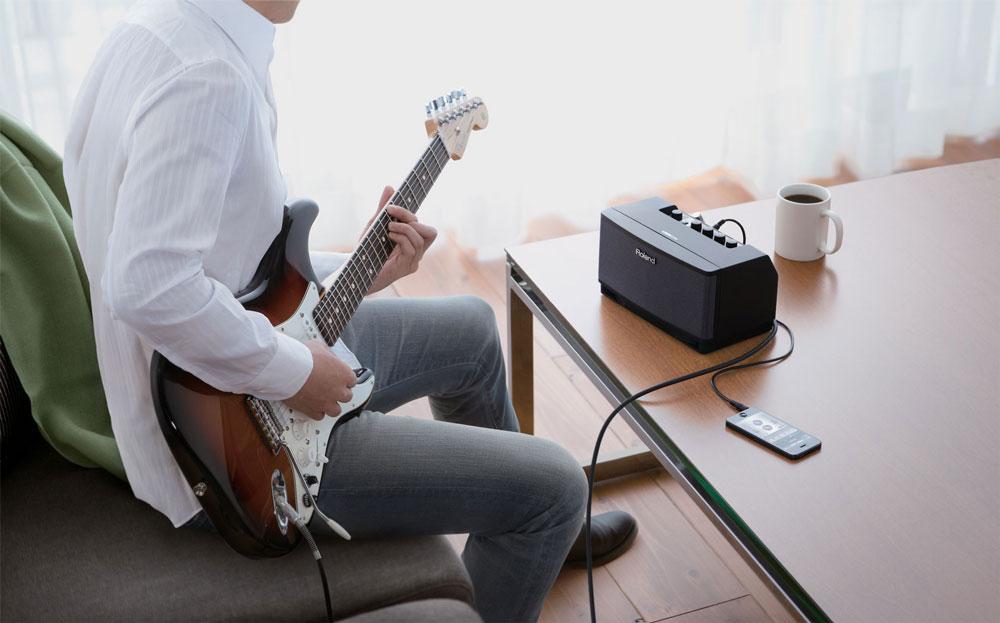 Roland CUBE Lite guitar amp - CUBE AMP