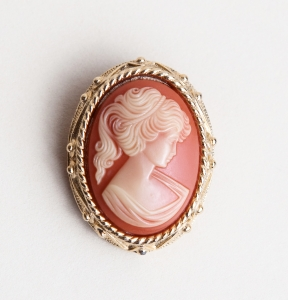 Image of Cameo