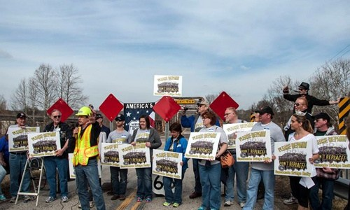 300 attend Gasconade Bridge rally