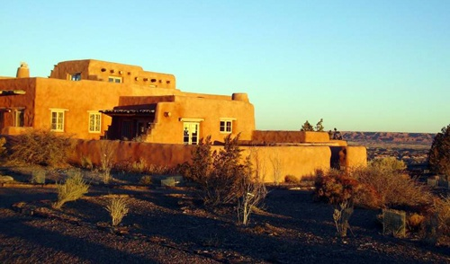 Painted Desert Inn may serve ice cream, baked goods