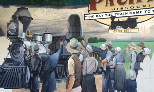 Mural being painted in Pacific, Missouri