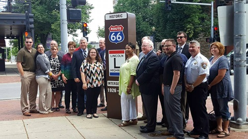 Route 66-Lincoln Highway marker erected in Joliet