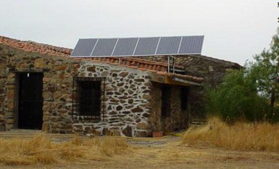 rivero-sudon-rs-solar-badajoz-alburqueque-energia-solar-fotovoltaica-aislada-instalacion