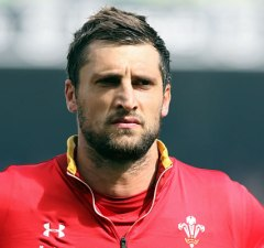 Luke Charteris has agreed to play for Bath