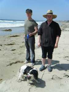 Mike Cartel (l.) Ryan and Addison Rathbone (foreground) hit the beach for Ghost Dog 2