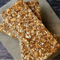 . no-bake pumpkin spice granola bars .