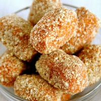 . baked cinnamon sugar sweet potato tots .