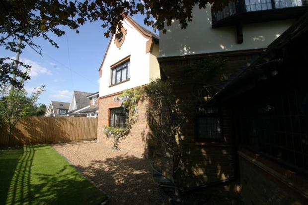 4 Bedroom Detached House, Staines
