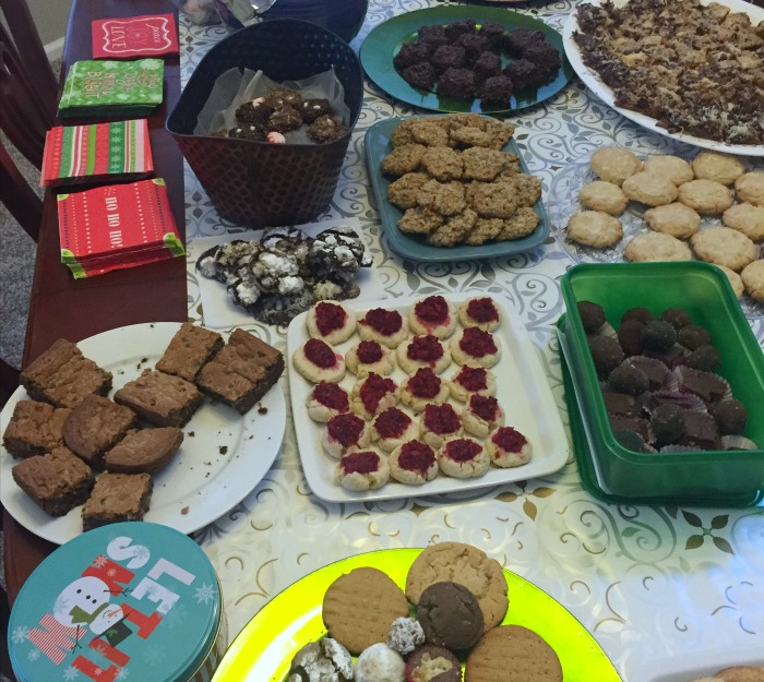 How to Throw a Holiday Cookie Swap