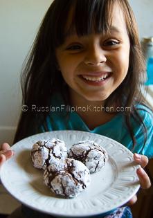 Chocolate Crinkles – Classic Christmas Cookies 15