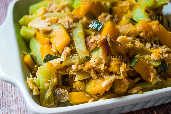 Sautéed Chayote and Squash With Shredded Fish (Ginisang Sayote at Kalabasa) 01