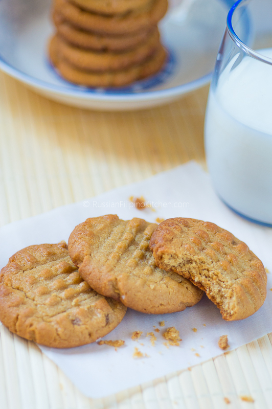 Classic Peanut Butter Cookies 01