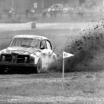 """Simon """"Lee Cooper"""" Saab 96. """"Kuva on Turun Artukaisista. Kisa järjestettiin yleensä, ellei jopa aina, nimellä Silja Rallycross."""" Kiitos Sami! Kuva: Museovirasto."""
