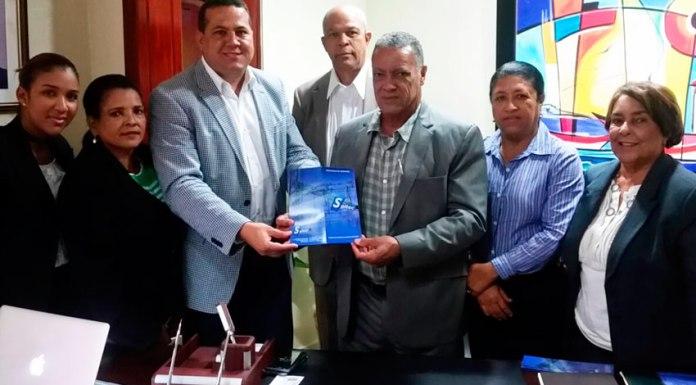 Ingeniero Wilson Castillo presenta propuesta energetica