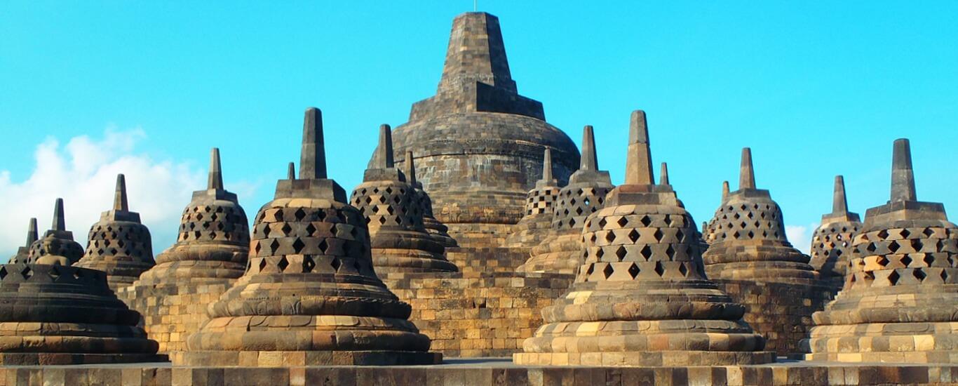 Rental Mobil ke Borobudur