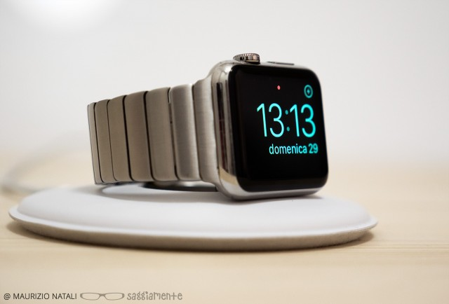 apple-watch-dock-elegant