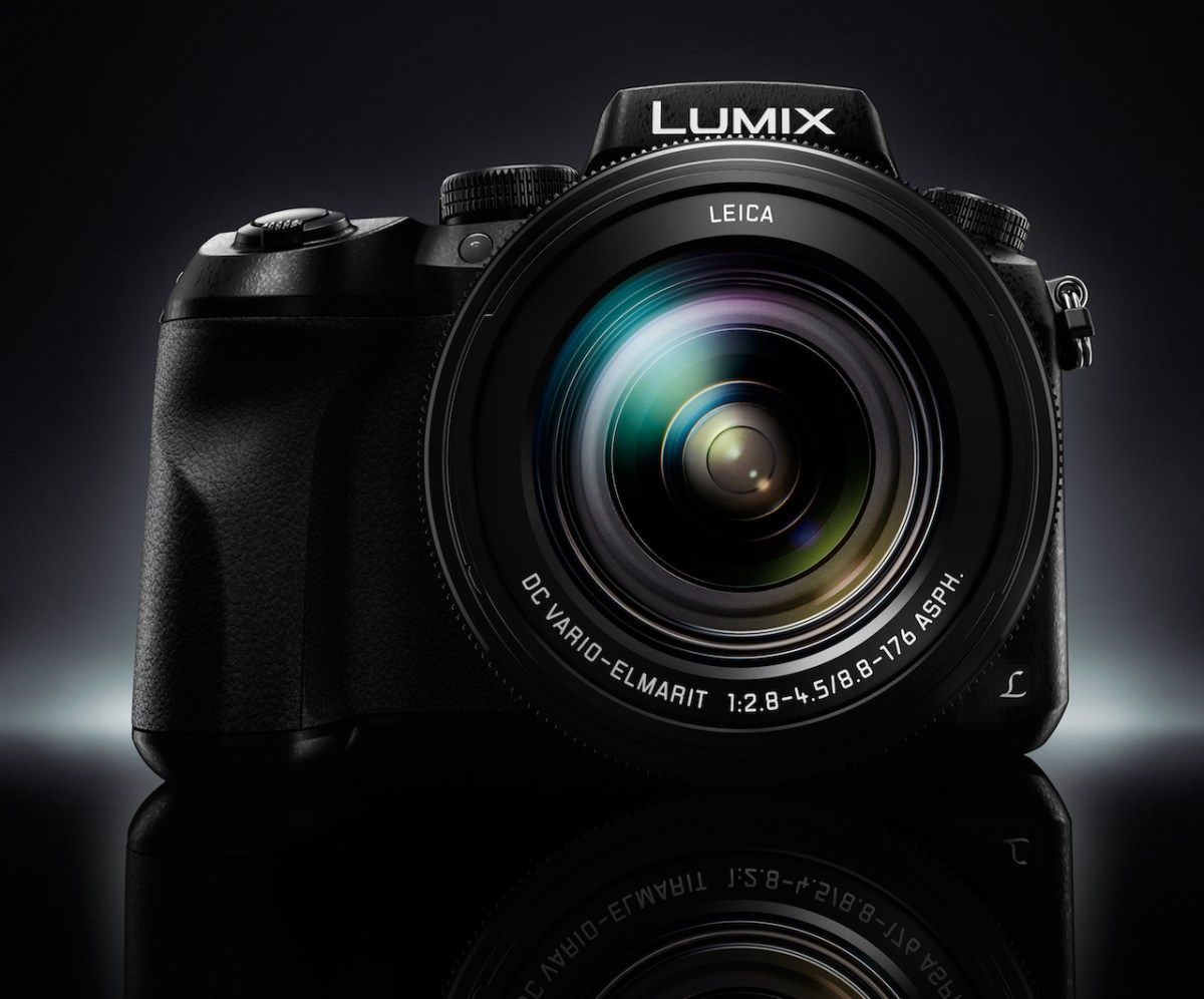 Photokina 2016: Panasonic FZ2000, la superbridge senza limiti per il video