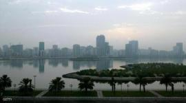 SHARJAH, UNITED ARAB EMIRATES:  A general view shows Lake Khaled in Sharjah 24 September 2003.   AFP PHOTO/RABIH MOGHRABI  (Photo credit should read RABIH MOGHRABI/AFP/Getty Images)