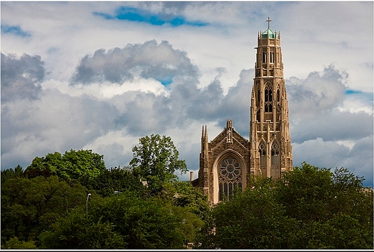 Photo of Christ the King Cathedral Hamilton ON, linked to diocesan web site