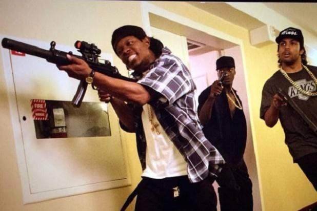 Straight Outta Compton filminden bir sahne