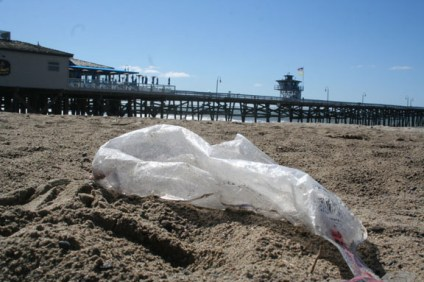 A proposal for a ban on single use plastic bags, like the one show here near the pier, will go before the San Clemente City Council next month. Photo by Jim Shilander