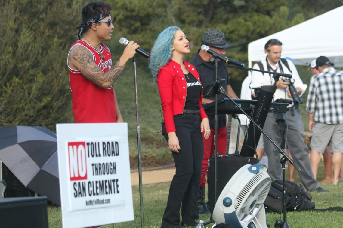 Musical performances were provided during a Sept. 9 gathering at The Reserve subdivision to raise funds for the Coalition to Save San Clemente and bring awareness of the toll roads issues facing the area. Photo: Eric Heinz