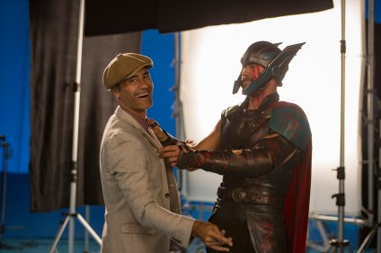 Marvel Studios Thor: Ragnarok  L to R: on set with Director Taika Waititi and Chris Hemsworth (Thor)  Photo: Jasin Boland  ©Marvel Studios 2017